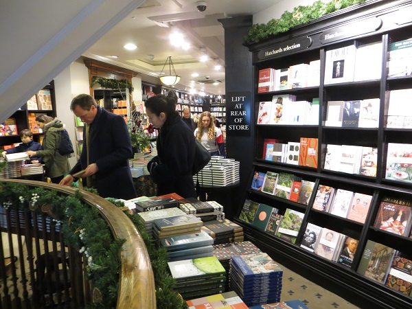 Hatchards, Piccadilly 16.12.17 (34) Ground floor