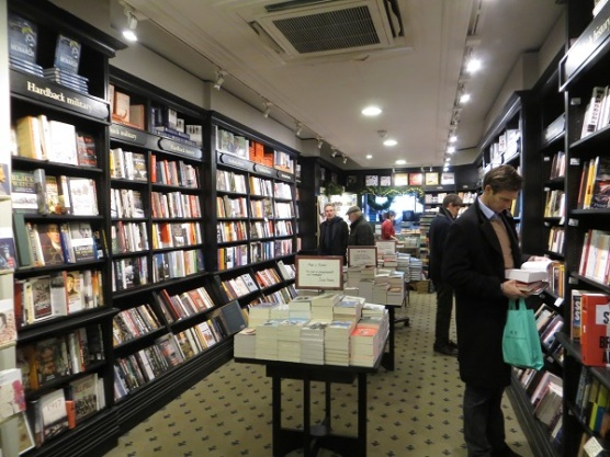 Hatchards, Piccadilly 16.12.17 (4) Ground floor