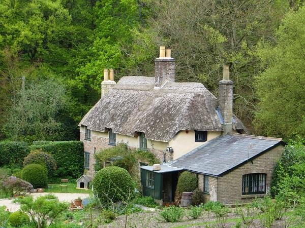 1 Hardy's Cottage resized