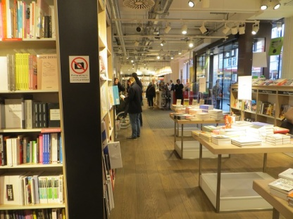 Foyles Charing Cross Road - 05.01.19 Ground Floor (1)