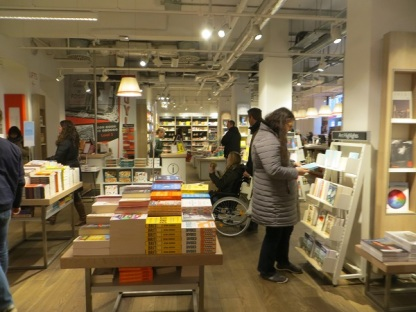 Foyles Charing Cross Road - 05.01.19 Ground Floor (2)